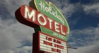 holiday_motel.jpg