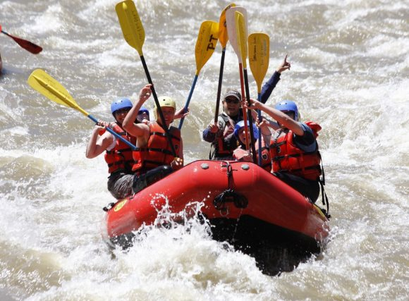 Rafting - Touching Paddles